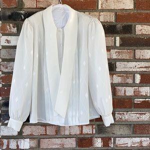 WOMENS White blouse 🤍